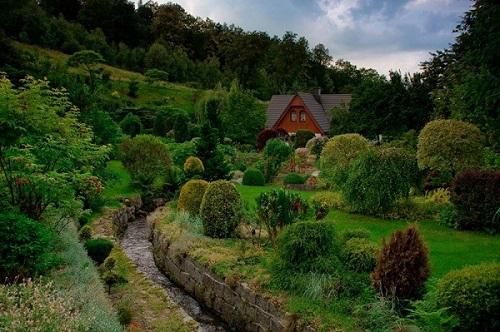 Noclegi Sudecka Chatka koło Karpacza, piękny ogród i piękne widoki Gruszków